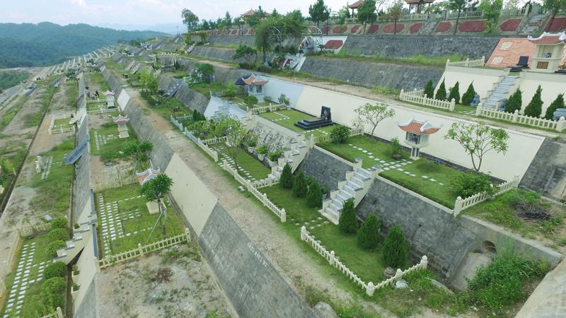 Khuôn viên nghĩa trang thoáng đẹp tại Công viên tâm linh