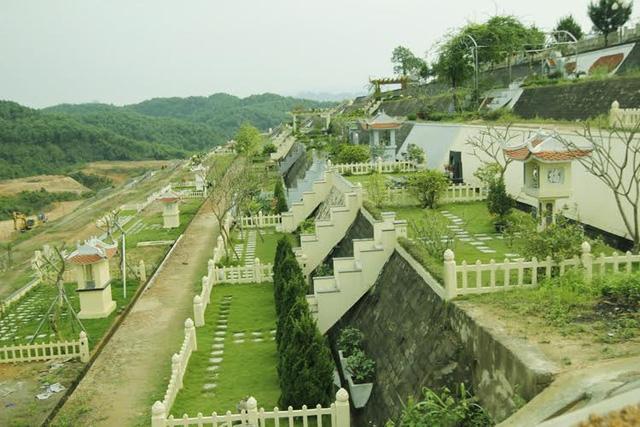 Cảnh đẹp và yên bình tại công viên nghĩa trang Hòa Bình