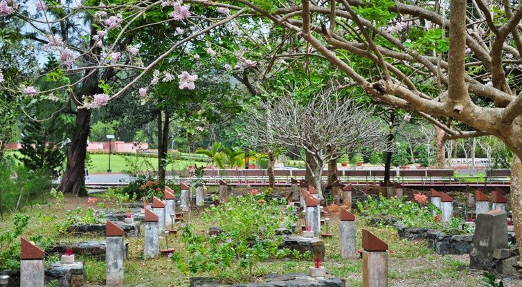 cảnh quan thoáng mát tại nghĩa trang hàng dương côn đảo