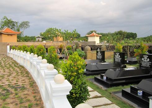 Khuôn viên bên trong nghĩa trang