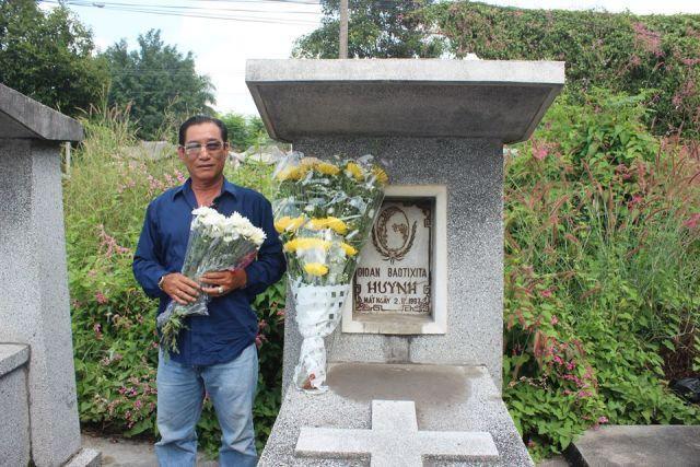 Phần mộ tại nghĩa trang Lái Thiêu