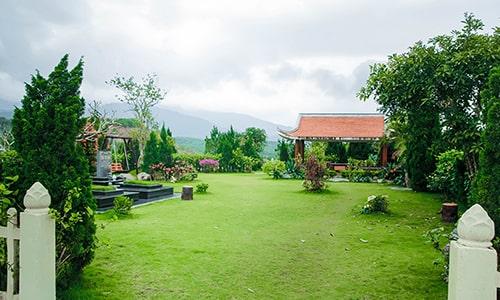 hình ảnh tại nghĩa trang hòa bình