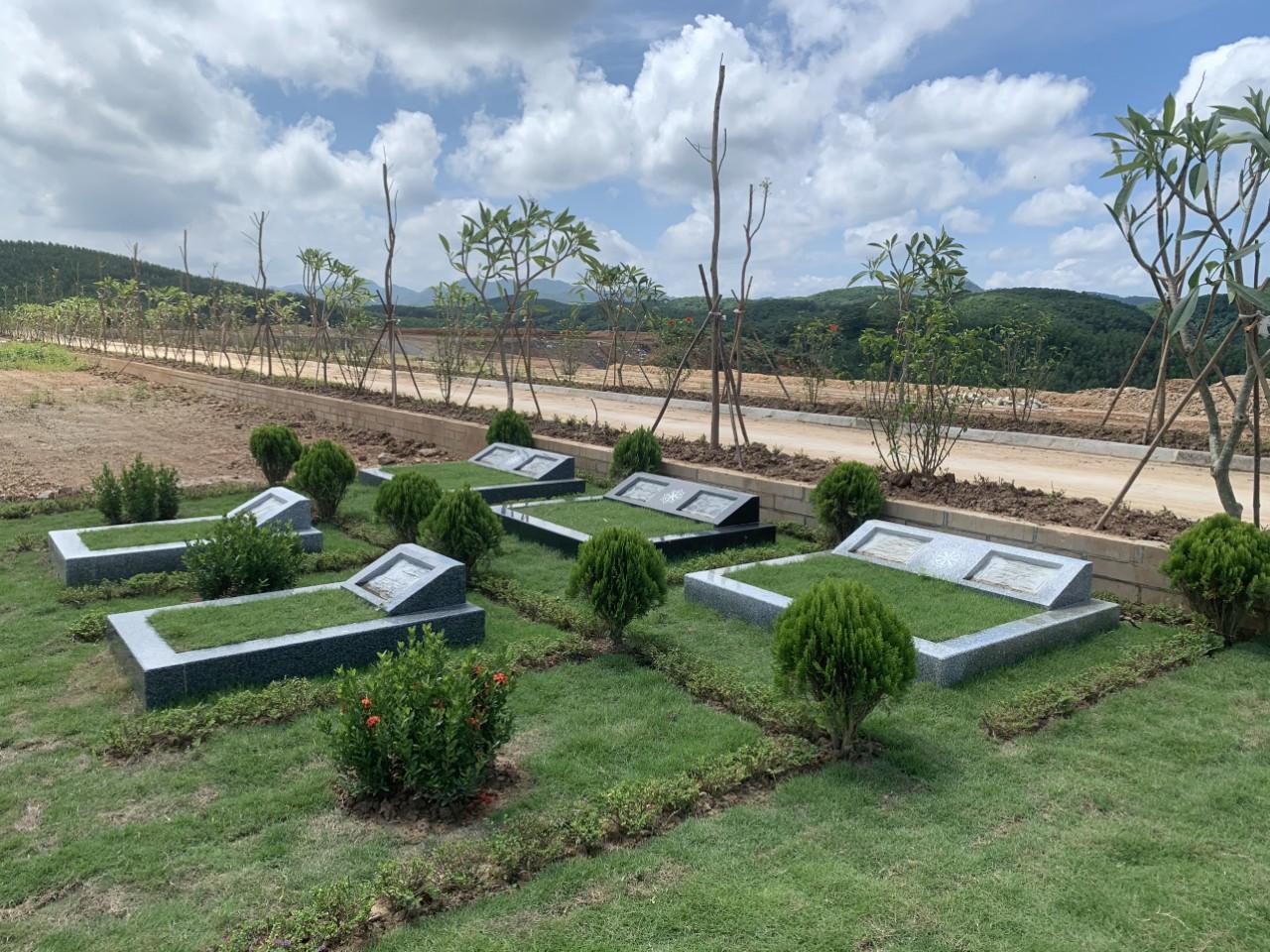 Mẫu mộ khu vực Viên Long