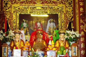 Tam Toà Thánh Mẫu Trong Đạo Mẫu Người Việt
