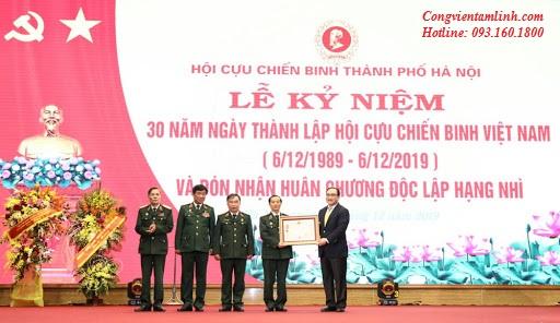 Hội Cựu Chiến Binh Thành Phố Hà Nội nhận huân chương độc lập