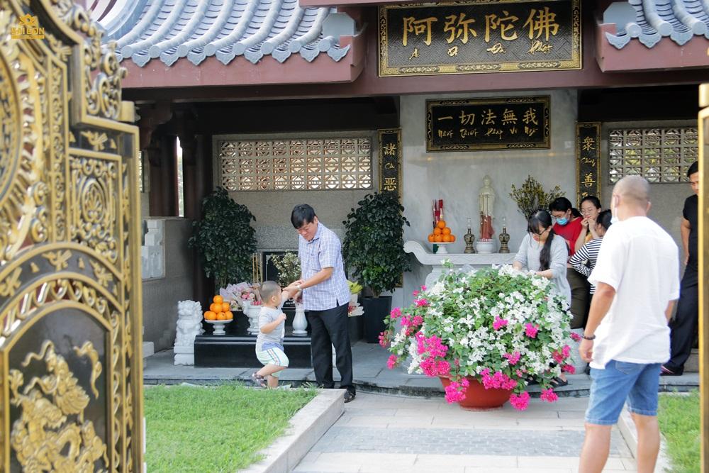Khuôn viên mộ gia tộc tại Công viên Nghĩa Trang Thiên Phúc