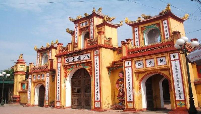 Di tích đền thờ Vua Cha Bát Hải Động Đình