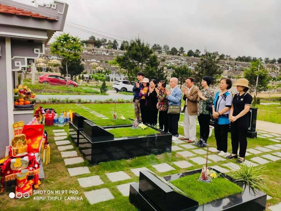Khuôn viên gia đình tại công viên nghĩa trang Lạc Hồng Viên